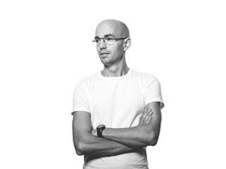 Porträttbild av Mikael Lundahl, illustratör på Archus