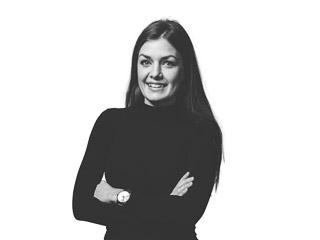 Porträttbild av Rebecca Sjöstrand-Härlin, landskapsarkitekt på Archus